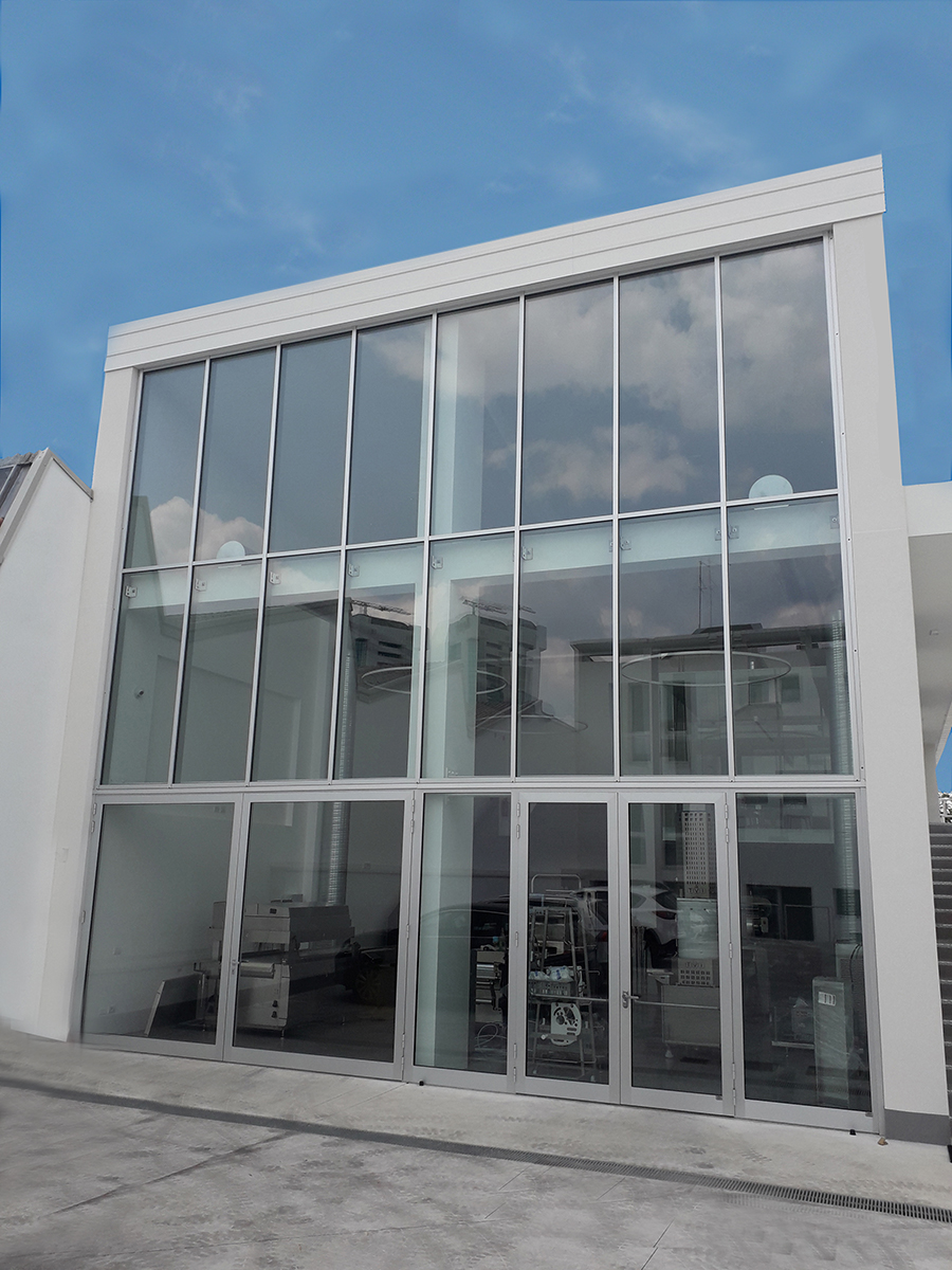 3-immagine facciata a vetro