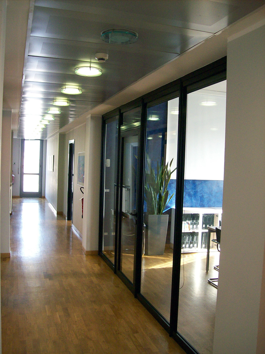 parete divisoria ufficio vetro e alluminio