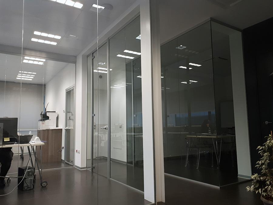 parete in cristallo per interni